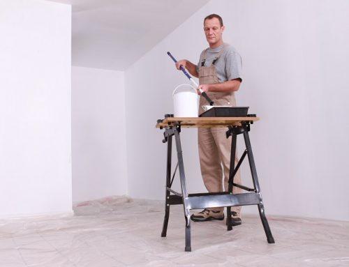 Jak prawidłowo nanosić farbę na ścianę?